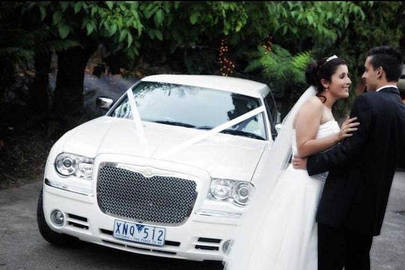 Night Owl White wedding cars melbourne