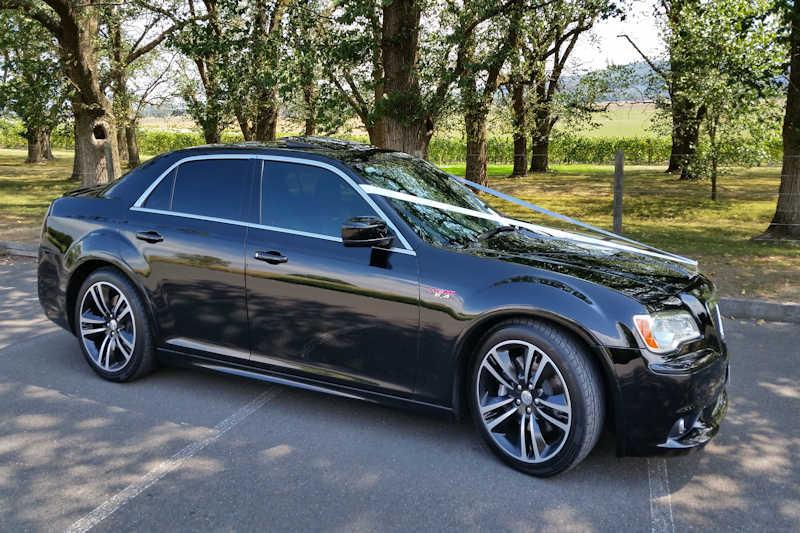 Chrysler SRT8 LR-Limousines-Wedding-Car