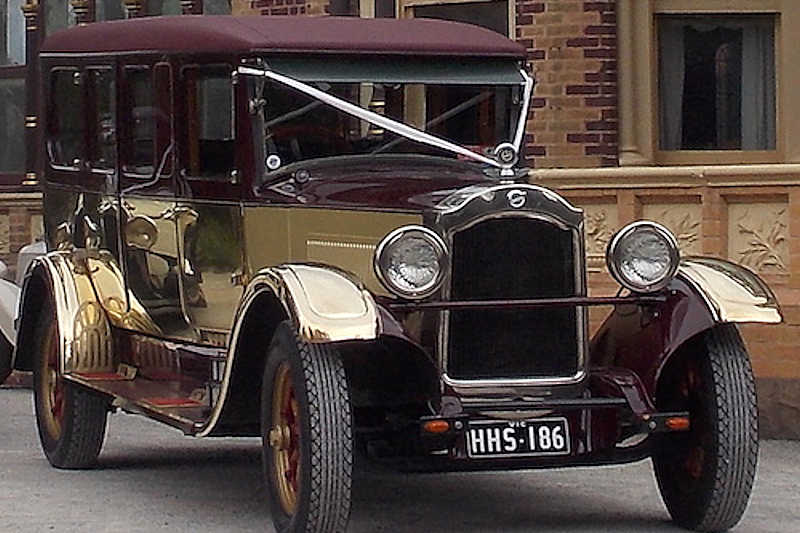 gold wedding car