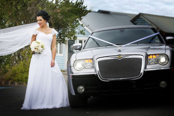 Victorian Wedding Car Association - Difference Between a Limo and Stretch Limo